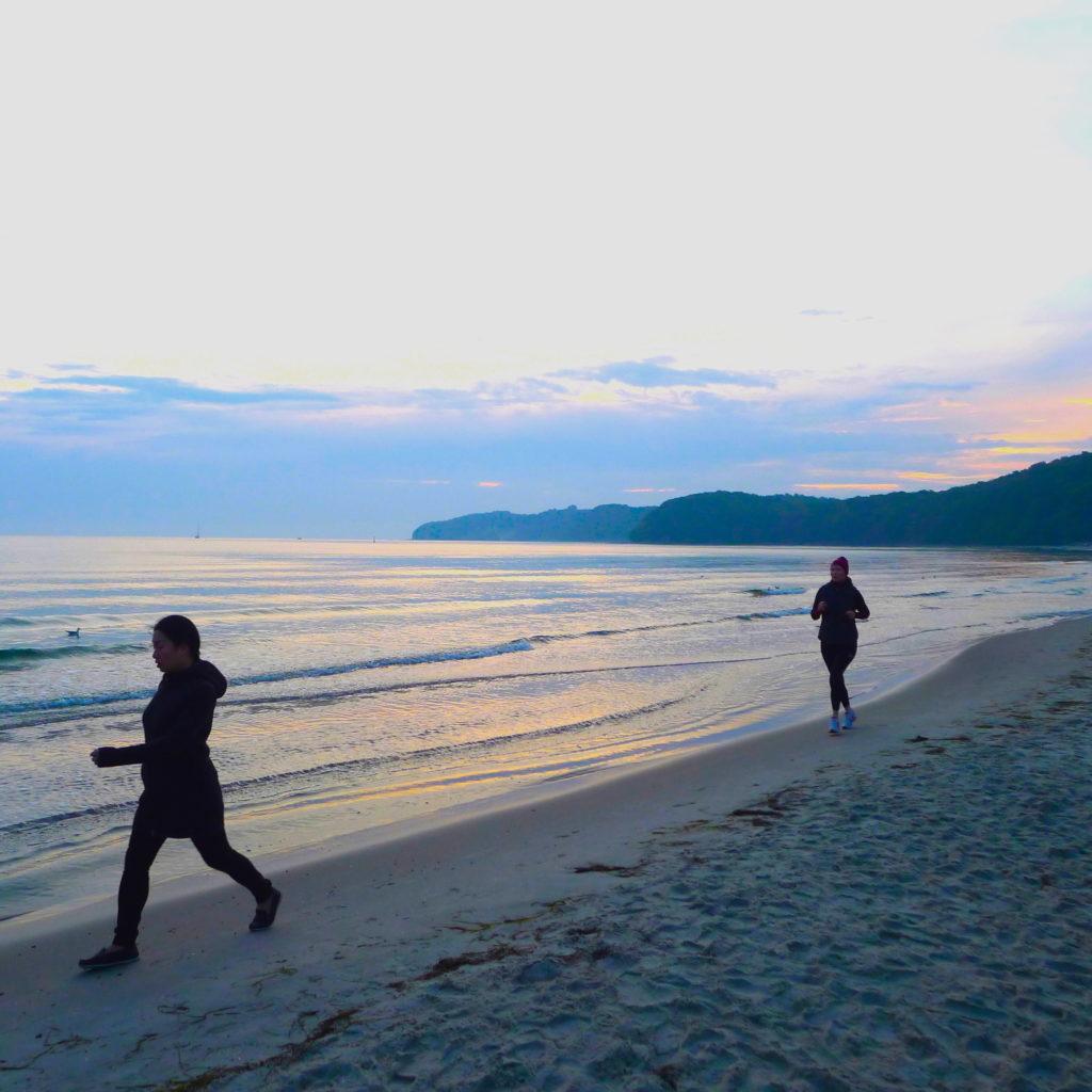 tatc_201510_Binz sunset runners