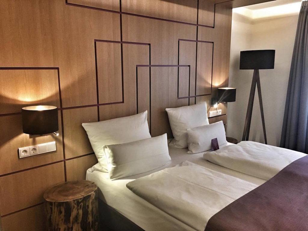 einfaches Zimmer Fourside Hotel