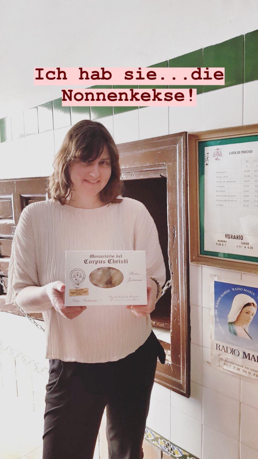 Kekse kaufen im Kloster in Madrid.