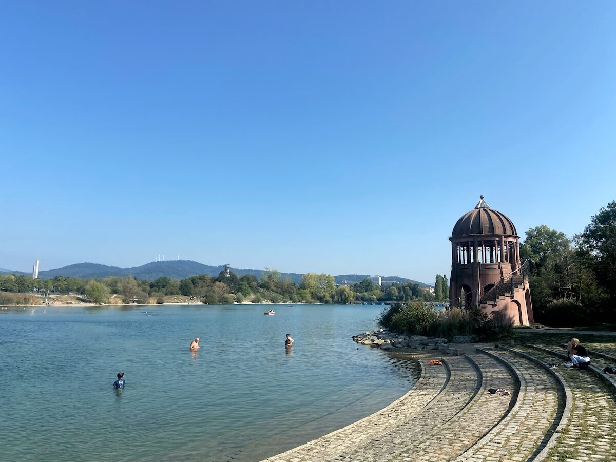 Badesee im Seepark Freiburg