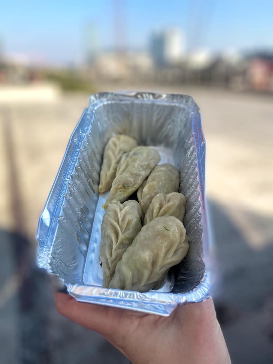 essen friedrichshain momos nepal