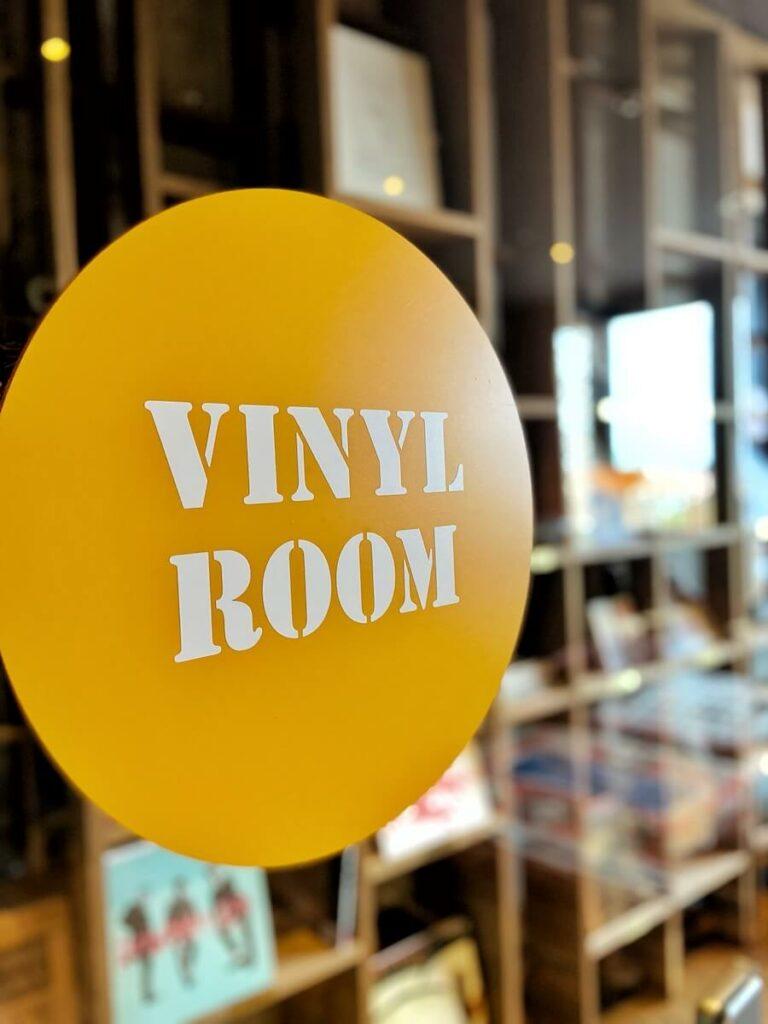 vinyl room 25hours hotel hamburg hafencity