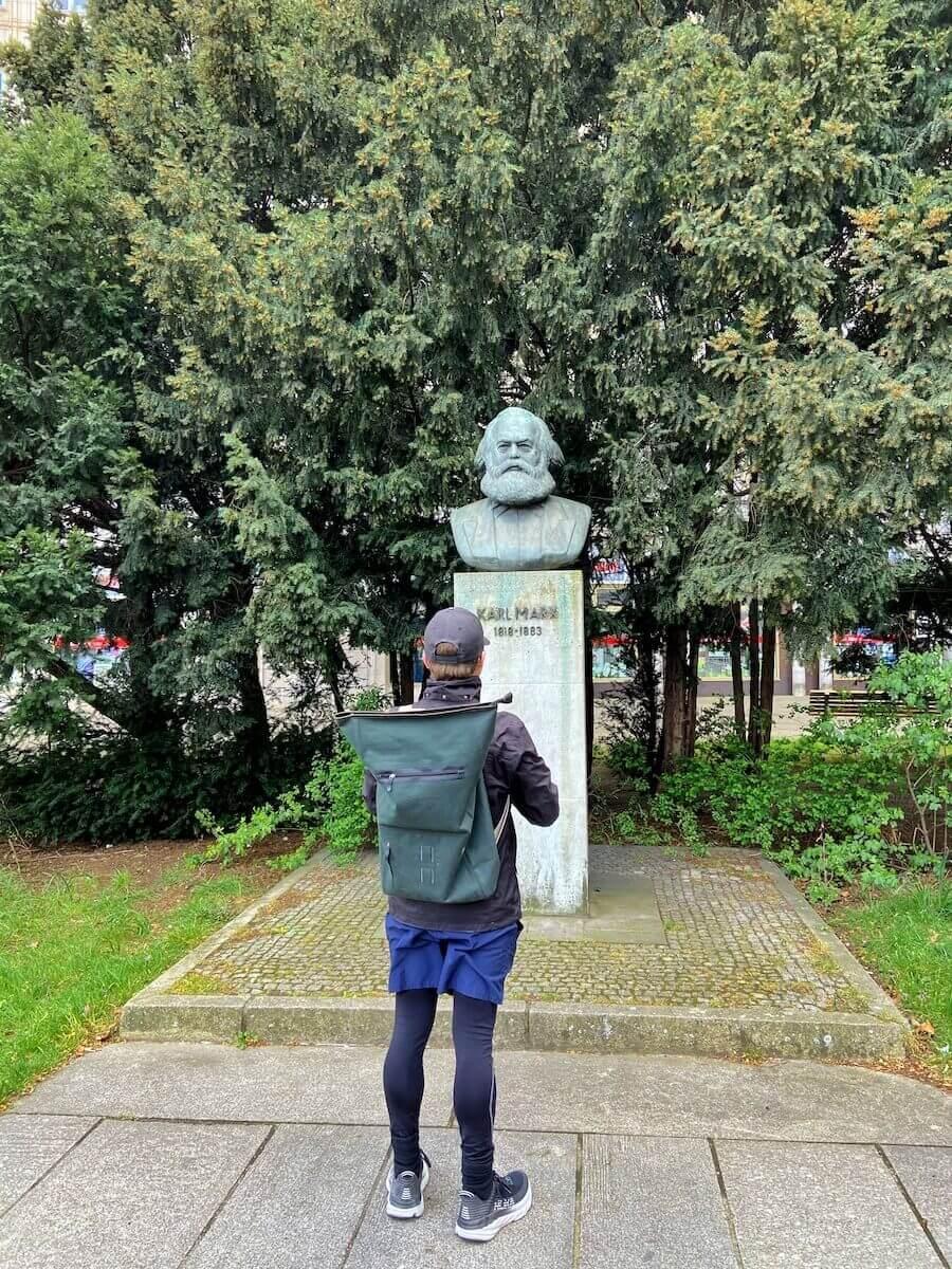 karl marx statue friedrichshain