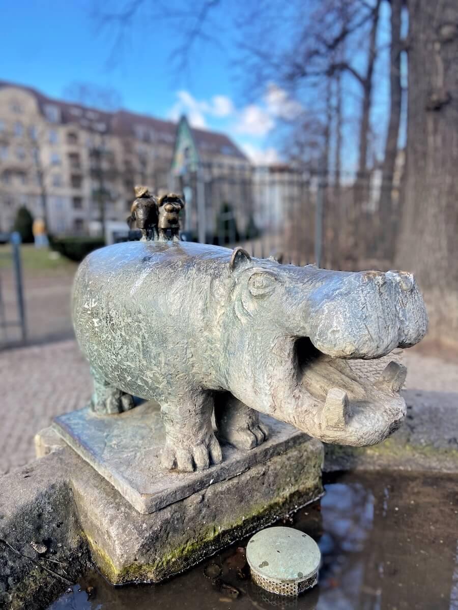 friedrichshain sehenswuerdigkeiten nilpferdbrunnen